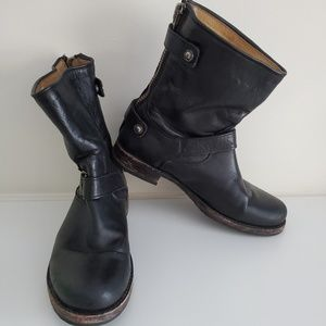 7 Frye Black Leather boots